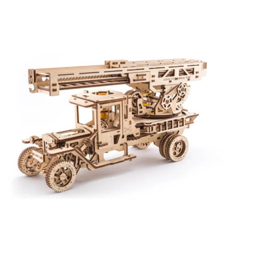 UGEARS 70022 - Feuerwehrtruck mit Drehleiter - mechanischer Holz-Bausatz