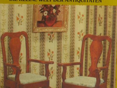 Mini Mundus - 2 Queen-Anne-Armlehnenstühle (frühes 18. Jh.), 1:12