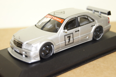 Paul's Model Art Minichamps - Mercedes C 180