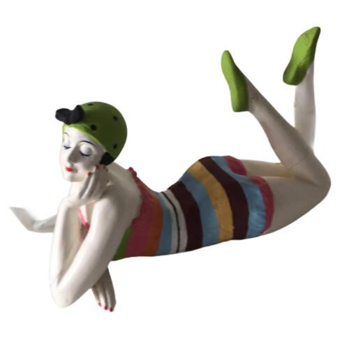Badenixe mini, Vintage Schönheit in bunt gestreiftem Badeanzug