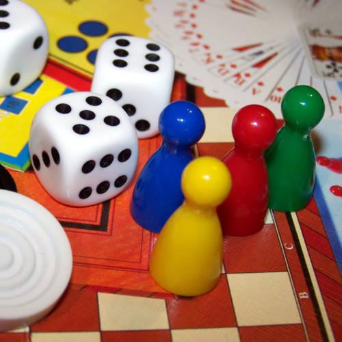 Spiele, Puzzle, Sammelkarten und vieles mehr