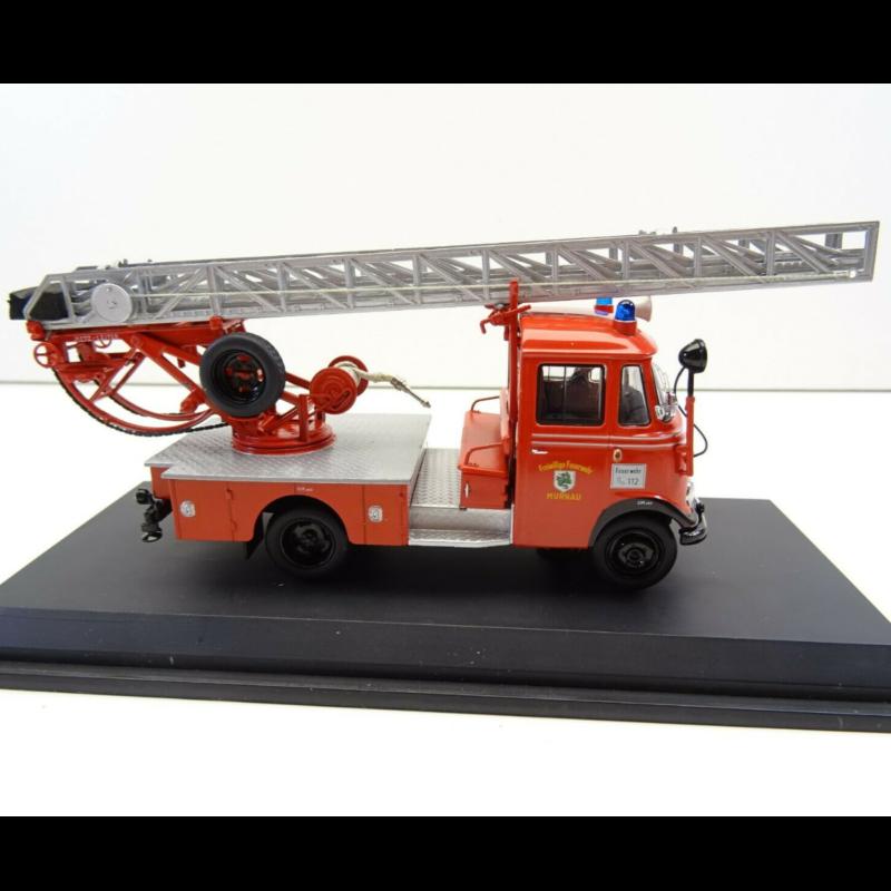 Ludibrium-SCHUCO - Mercedes-Benz L 319 Feuerwehr mit Drehleiter DL18 1:43