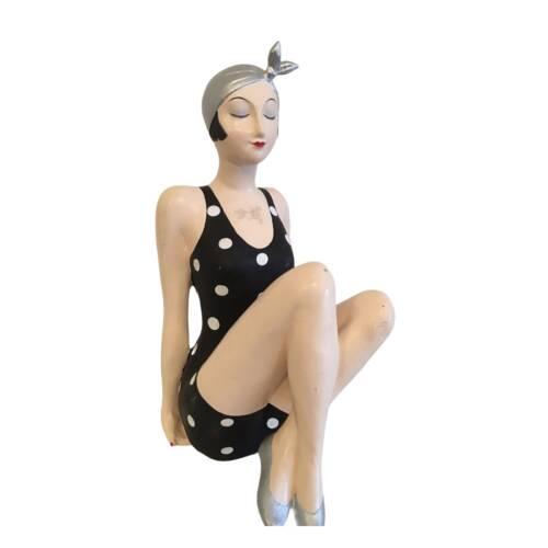 Badenixe, Vintage Schönheit in einem schwarz/weiss getupften Badeanzug