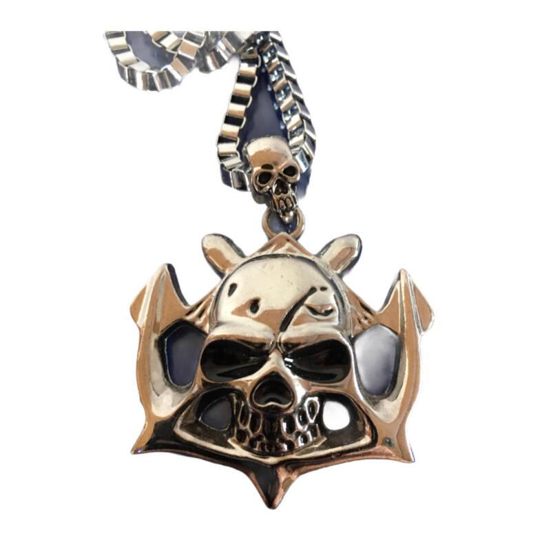 Totenkopfanhänger mit Kette - metall