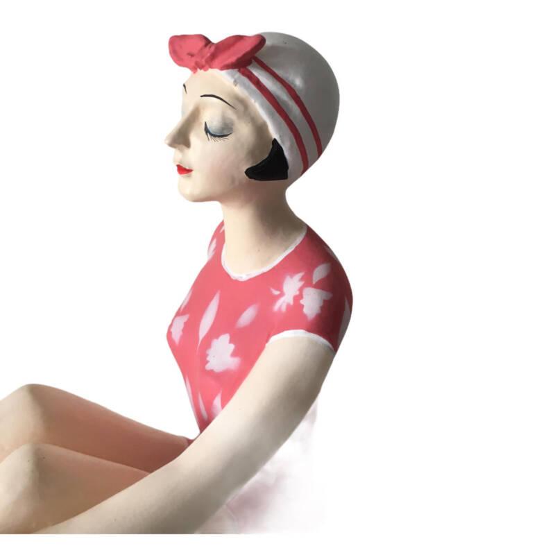 Badenixe gross, Vintage Badeschönheit im rosa Badeanzug